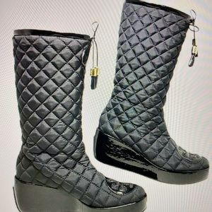 Tory Burch nylon Quilted Boots (9.5)